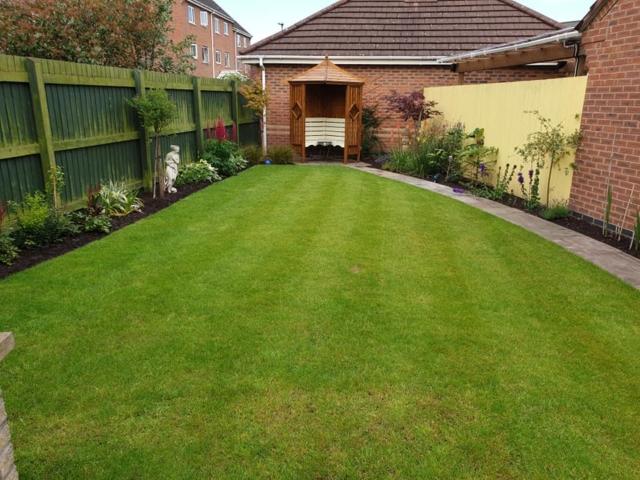 Lawn treatment Great Sankey
